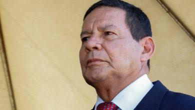 Photo of Mourão dá poder a comissionados para decretar sigilo de informações públicas por até 25 anos. Veja o decreto