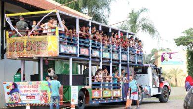 Photo of Com trenzinho, guloseimas e muitas brincadeiras, crianças comemoram o dia 12 de outubro no Cora Coralina